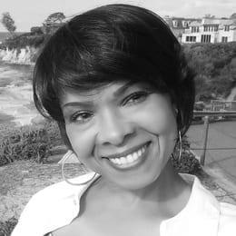 AnnetteNewman-BlackWhiteCrop.jpg